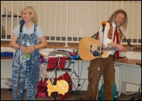 Picture of Miss Carole and Alvin in concert